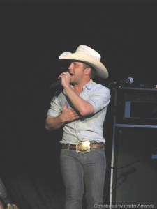 Justin Moore coming to Appalachian Fair in August, takes time out to go fishing with Ella
