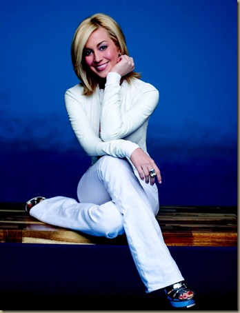 Kellie_Pickler_white[1]
