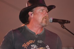 Fun Fest 2011 goes out with a bang! Trace Adkins and fireworks