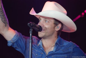Justin Moore, staying true to his country roots