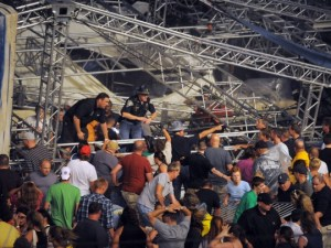 Indiana State Fair collapse kills five, injures 50–just before Sugarland concert
