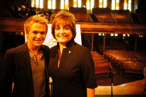 "Hunter Hayes on hand to unveil ""Music Makes Us"" program at the Ryman Auditorium"