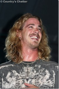 Bucky Covington signs with Entertainment One Nashville