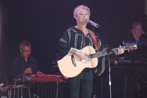 Lorrie Morgan, Johnson City, Tenn., Dec. 4 – A great mix of country & Christmas!