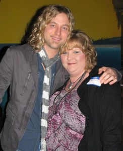 A fan's report of Casey James debut on the stage of the Grand Ole Opry!