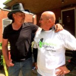 "Trace Adkins hosts GAC series ""Great American Heroes"""