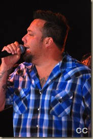 Uncle Kracker and Twang Bangers 103