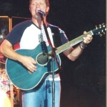 Craig Morgan comes to aid of highway accident victims