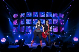 Thompson Square take over Plaza for Fox & Friends Concert on Friday, Aug. 23