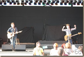 Swon Brothers and Dustin Lynch 083