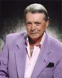 Mickey Gilley returns to touring after paralyzing accident in 2009