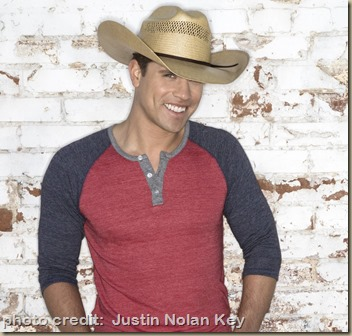 Dustin Lynch 1543