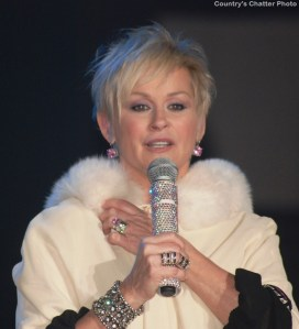Lorrie Morgan Christmas Tour rings with holiday magic
