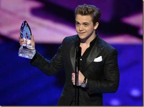 LOS ANGELES, CA - JANUARY 07:  Singer Hunter Hayes appears onstage at The 41st Annual People's Choice Awards at Nokia Theatre LA Live on January 7, 2015 in Los Angeles, California.  (Photo by Kevin Winter/Getty Images)