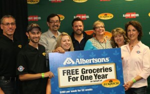 Randy Houser and Eckrich surprise military family with free groceries for a year