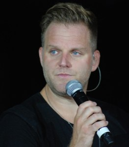 Matthew West brings the crowd to their feet, and our 2015 Appalachian Fair to a close
