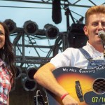 Fans continue prayers for Joey Martin Feek and family