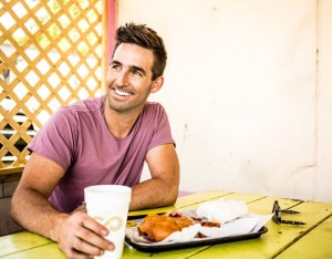Jake Owen to appear on Macy's Thanksgiving Day Parade tomorrow (Nov. 26)