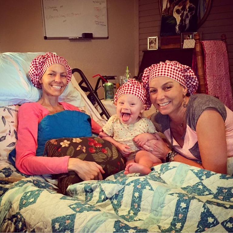 Mail lady brings smiles to Joey Feek and Indiana – countryschatter.com
