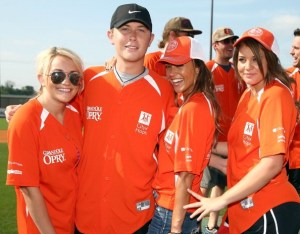City of Hope and country msuic stars join forces to strike out cancer at this years CMA Music Festival