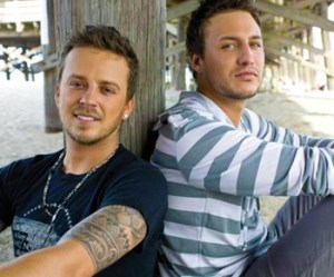 Love and Theft signed with Curb Records