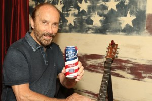 """Lee Greenwood Leads Coca-Cola's """"Share A Coke And A Song"""" Campaign Into Memorial Day"""