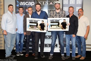 """Chris Young and Cassadee Pope celebrate chart-topping track """"Think of You"""""""