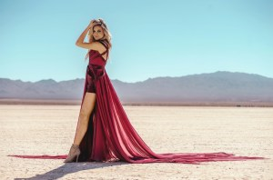 Kelsea Ballerini makes country music history with third consecutive No. 1