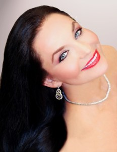 Crystal Gayle To Kick Off 'Deck The Hall' Friday, Nov. 25, At Country Music Hall of Fame® And Museum