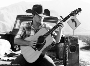 """William Michael Morgan goes """"Missing"""" in picturesque new video"""