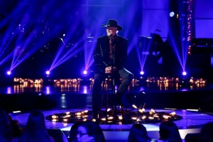 "Trace Adkins to Perform on ""A Home for the Holidays"" TV Special, Dec. 23 @ 8 pm ET"
