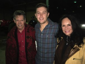 Randy Travis Pays Surprise Visit to Scotty McCreery's First Concert of 2017