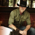 """Trace Adkins reveals """"Something's Going On"""" new album March 31 and 2017 tour tickets on sale Jan. 27"""