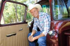 Neal McCoy returns to kick off Jamboree in the Hills with a FREE concert!
