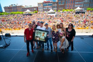 "Granger Smith's ""Backroad Song"" certified RIAA Gold"