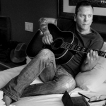 "CMT premieres Kiefer Sutherland's ""Shirley Jean"""