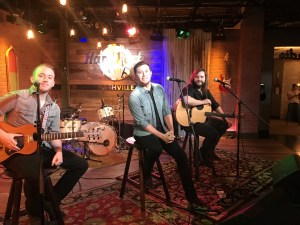 """Scotty McCreery Performs """"Five More Minutes"""" on WSMV's """"Today in Nashville"""""""