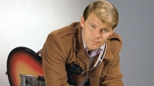 More tributes to Glen Campbell coming in from country music community