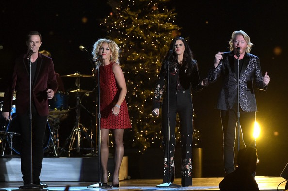 The Name Of The Big Band Orchestra On Cma Christmas 2020 Little Big Town 2020 Cma Christmas | Qzxbvw.travelchristmas2020.info