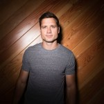 "Walker Hayes' New Album ""boom."" to Drop 12/8"