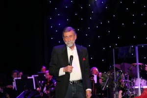 Ray Stevens unveils CabaRay Showroom amidst a Who's Who of Nashville's music industry