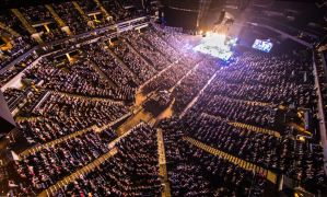 """Chris Young wraps first leg of his """"Losing Sleep 2018 World Tour"""" selling out 18 consecutive arena shows"""