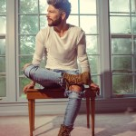"Chris Lane takes it slow with ""I Don't Know About You"""