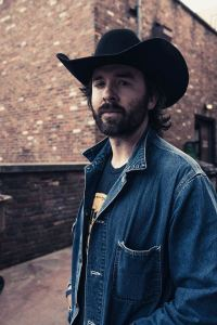 """Outlaw country artist James Carothers releases music video for New Single, """"Sinners and Saints"""""""