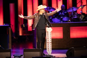 Dustin Lynch becomes newest member of the Grand Ole Opry family