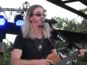 Bucky Covington brings the crowd to its feet at Smith & Wesley Benefit Concert