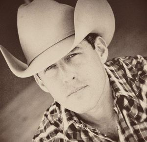 Aaron Watson announces first 2018 Headlining Tour dates