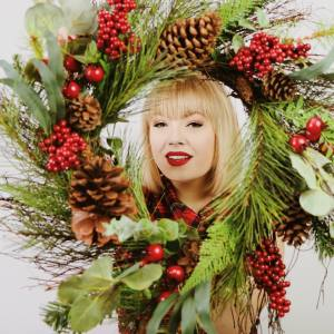 "Lexi Lauren to release holiday EP,  ""California Christmas"" on Nov. 30"