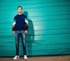 Walker Hayes hits the road in 2019 with the DREAM ON IT Tour
