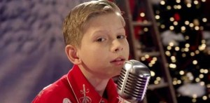 "Mason Ramsey dreams of a ""White Christmas"" in new video"